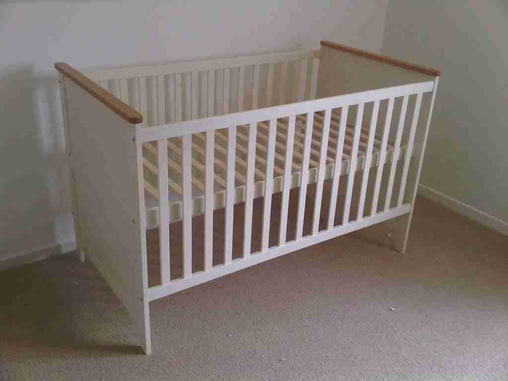 Babys cot assembly Baldock