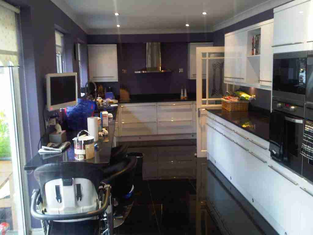 Paint kitchen walls ceiling Welwyn Garden City