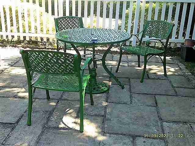 Paint Garden furniture Welwyn Garden City